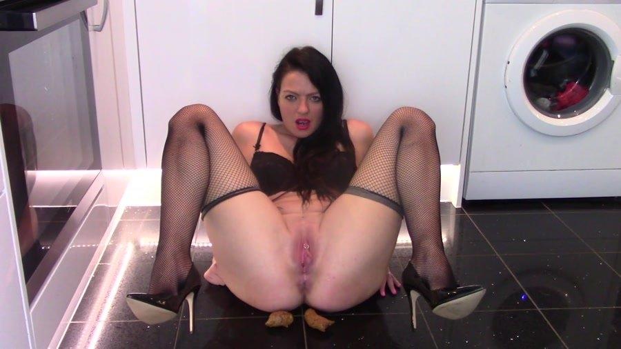 Milf pooping, free videos of mega boobs