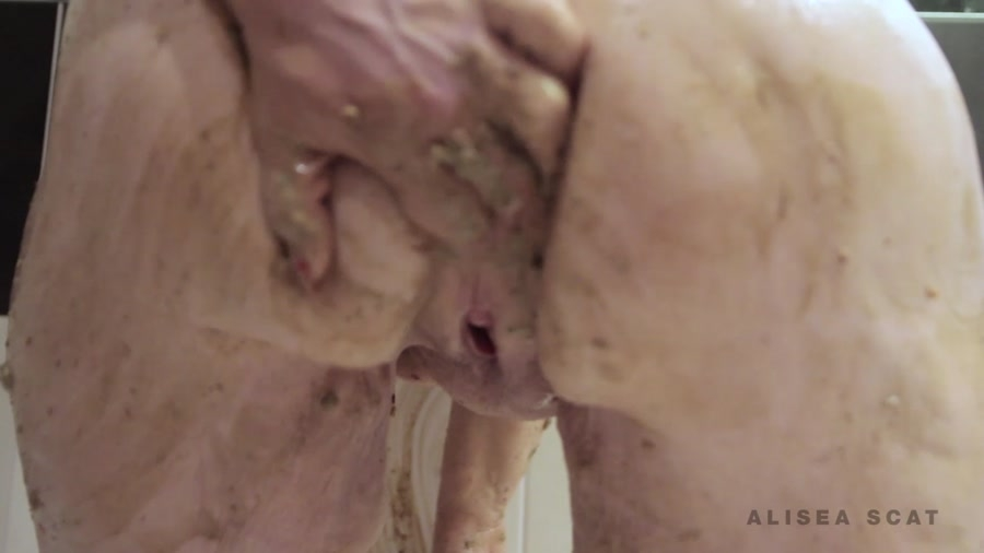 Scat Play in Bath Tub - Sex With Alisea (2018) [FullHD Quality MPEG-4 Video 1920x1080 25.000 FPS 7320 kb/s / mp4]