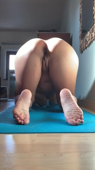 Morning yoga - Sex With kinkycat  (2020) [UltraHD/2K 1080x1920 / MPEG-4]