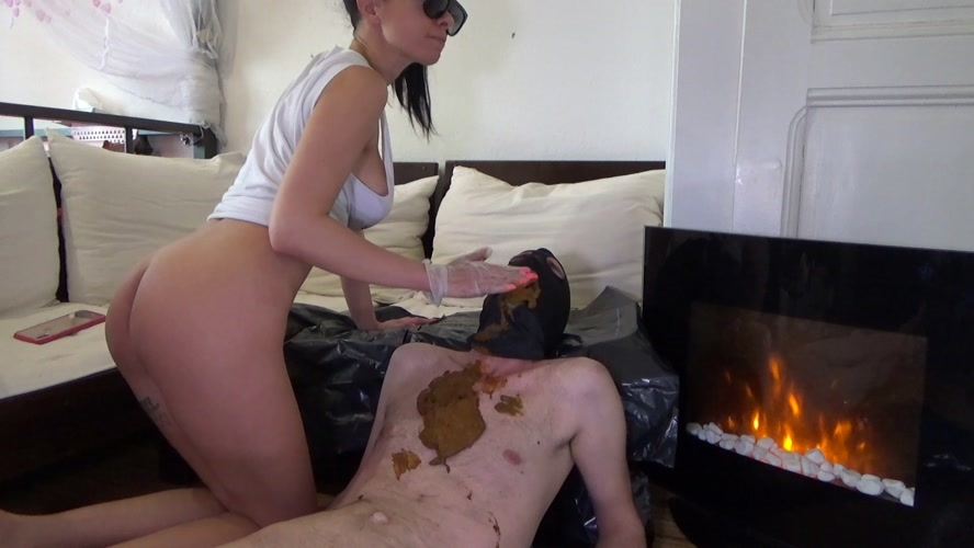 Poop on slave after morning coffee - Sex With Lila  (2020) [FullHD 1920x1080 / MPEG-4]