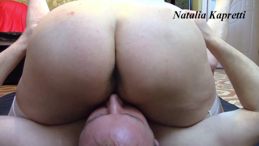Fisting slave in ass until piss himself - Dirty fisting and oral in 69 position - Sex With Natalia Kapretti (2020) [FullHD 1920x1080 / MPEG-4]