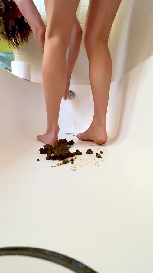 Poop on my feet in tub - Sex With VibeWithMolly  (2020) [UltraHD/2K 1080x1920 / MPEG-4]