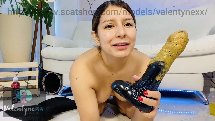 Licking my horse toy - Sex With Valentynexx  (2020) [FullHD 1920x1080 / MPEG-4]